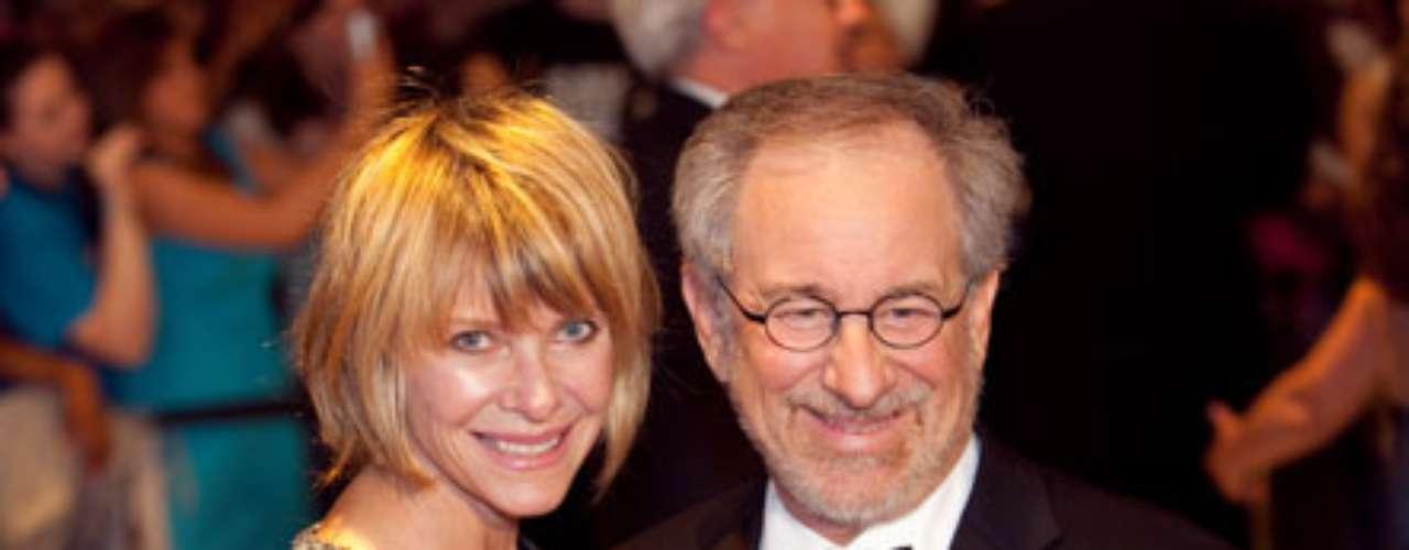 Steven Spielberg y su esposa Kate Capshaw tenían un hijo cada uno de anteriores matrimonios y decidieron completar la familia con una niña adoptada