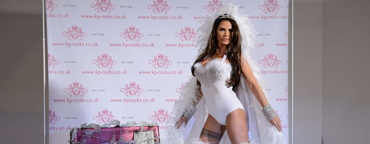 Is this a hot look for Katie Price?