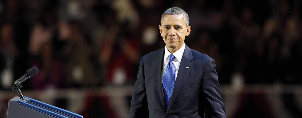 CONGRESO, IMPUESTOS Y GOBIERNO FEDERAL: Obama va tener que lidiar una vez más con una Cámara de Representantes dominada por republicanos, pero no se podrá dar el lujo de tener un enfrentamiento ideológico como el que ocurrió en julio de 2011 y que casi paraliza al país. Prioritario en su lista de quehaceres está reformar el anticuado código impositivo. El plan del presidente de aumentar la contribución al fisco de los que ganan más de US$250.000 al año y cerrar las brechas legales de los tributos a las grandes corporaciones mientras baja los impuestos de la clase media está diseñado para generar ingresos que ayuden a reducir el déficit.