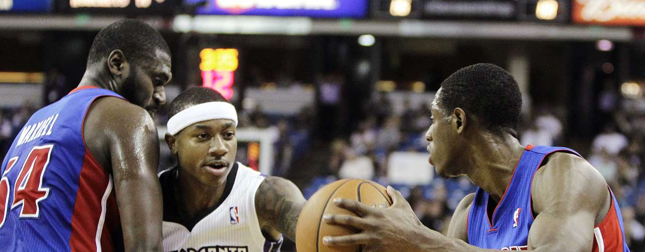 Los Kings de Sacramento vencieron 105-103 a Detroit.