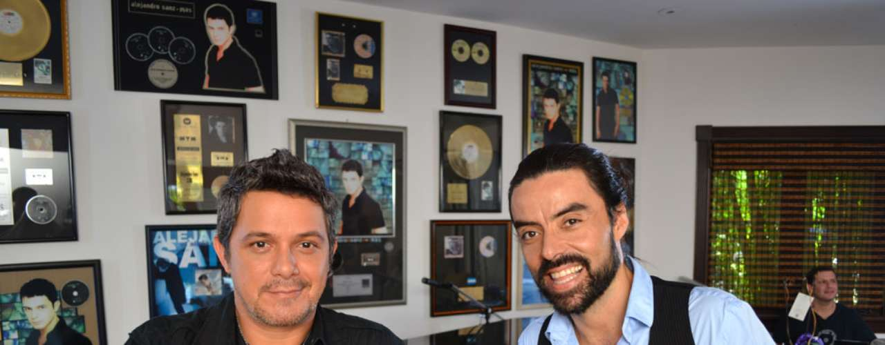 Our Terra Live Music host VJ Mauri had the opportunity to chat Spanish idol Alejandro Sanz, our guest this December 6, at his home in Miami, Florida.