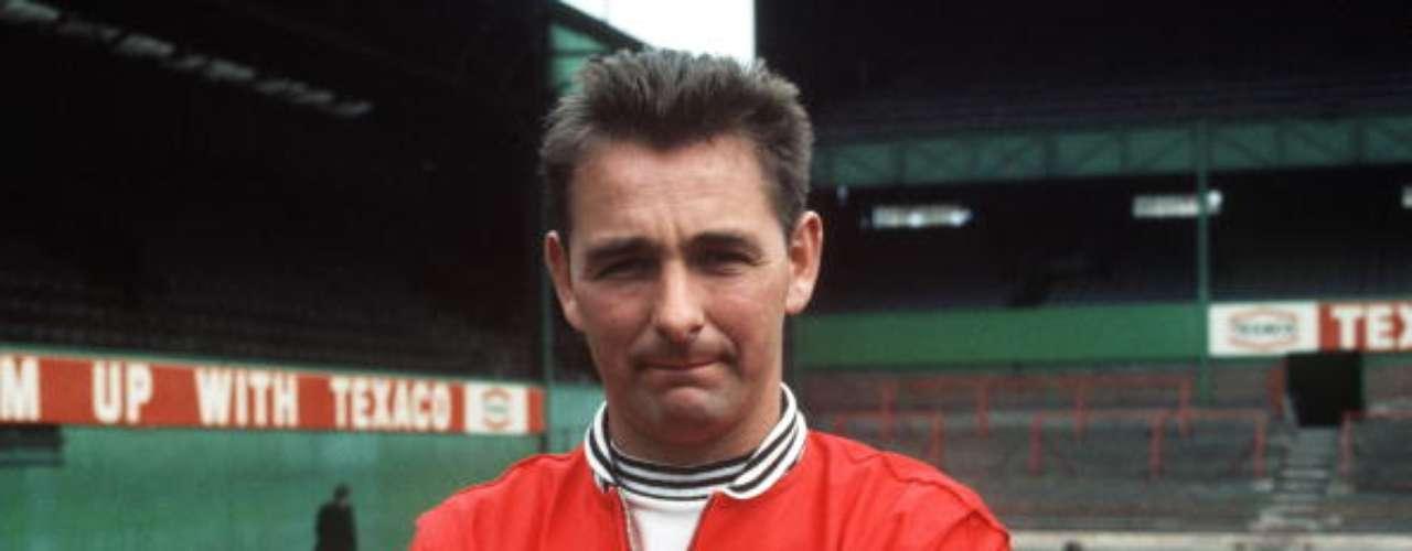 Despuntó como DT con el Derby County, cuando apenas tenía 35 años; tras una etapa de agonía, llegó al Nottingham Forest.