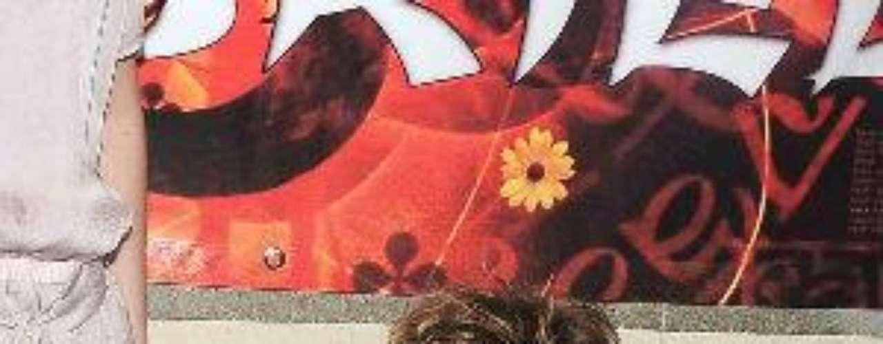 Mientras el actor grababa la novela 'Sortilegio' (Televisa - 2009) en México, Geraldine cuidaba de su retoñito en Miami.Síguenos en:  Facebook -  TwitterAmores de telenovela, convertidos en realidadZoo Novelero: Artistas que son unos ¡animales!¿Triste realidad? Las estrellas sin maquillaje