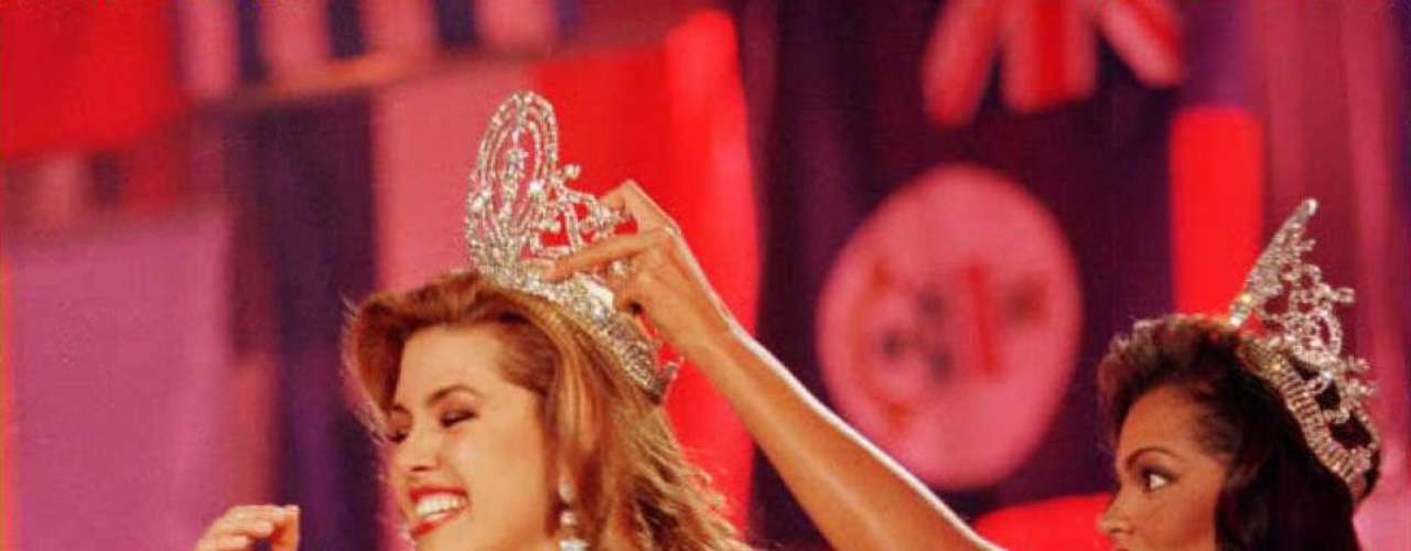 In 1996, Alicia Machado from Venezuela was crowned as Miss Universe by Chelsi.