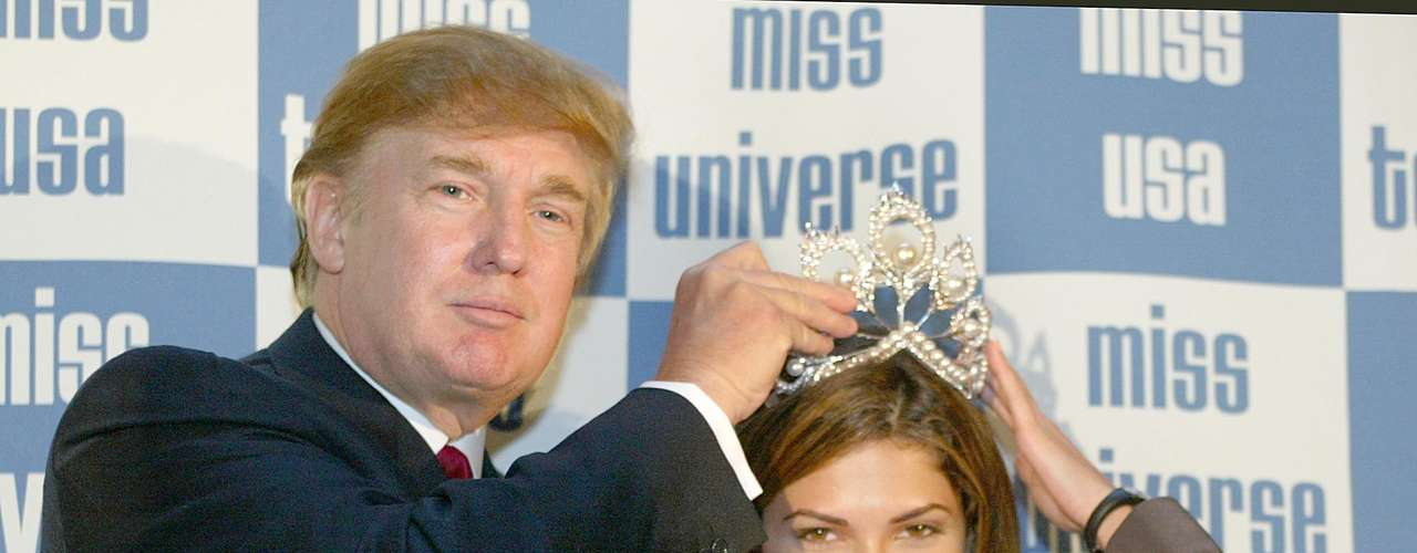 Due to leaving the title mid-way, Oxana was replaced by first runner-up Justine Pasek. The crowning was done by Donald Trump in NYC.