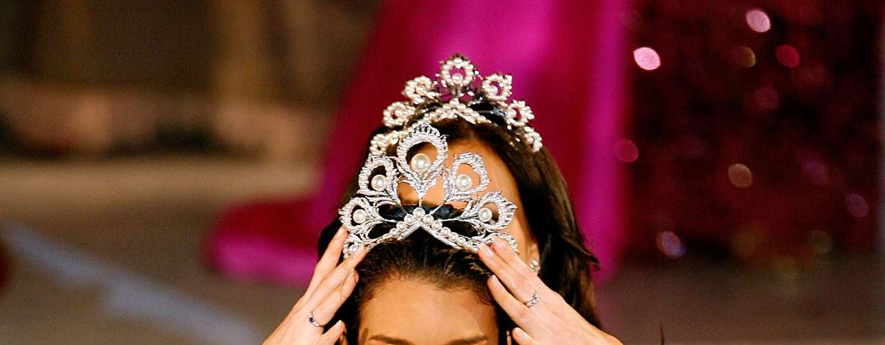 Zuleyka Rivera got really emotional in 2006 during her crowning moment.