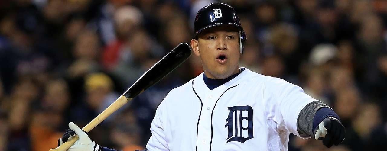 Miguel Cabrera, con los Tigres de Detroit en la tercera base ganó además la 'Triple Corona'.
