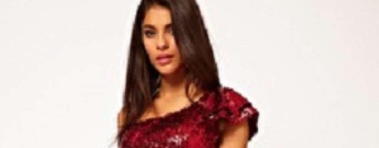 Para sentirte la princesa de la noche. Vestido con tull y lentejuelas en asos.com