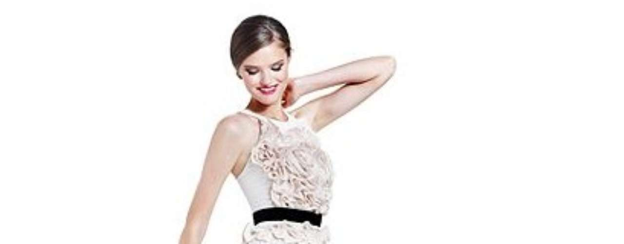Un vestido de BCBG para derrochar elegancia. 258 dólares en macys.com.