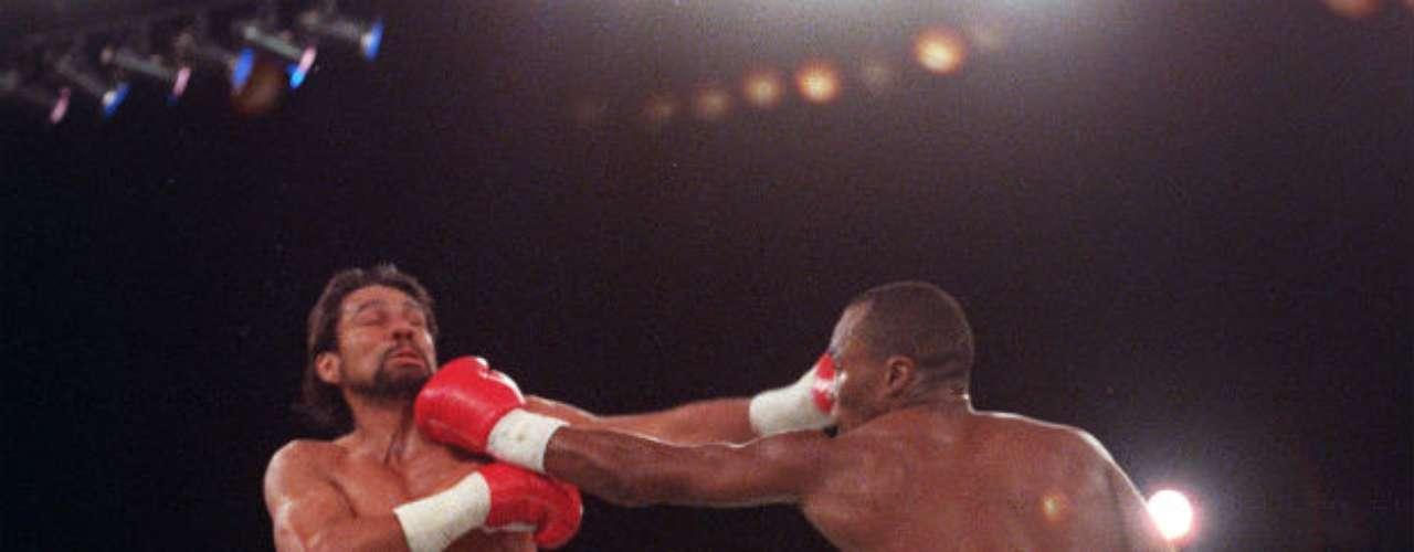 Ya siendo veteranos ambos púgiles, la tercera edición se dio hasta finales de los 80. En 1989 Leonard se impondría de nuevo por decisión dividida a Roberto Durán. Los tres combates siempre se fueron al límite para decidir a un ganador.