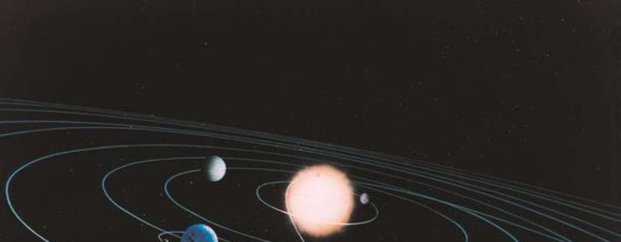 Hace poco tiempo, astrónomos del Centro de Astrofísica Harvard-Smithsonian y del Instituto de Astronomía Max Planck, descubrieron un nuevo planeta en la constelación Vela, que se encuentra en la franja de habitabilidad de su estrella; es decir, no está ni tan lejos ni muy cerca de 'su' sol, por lo que permitiría la existencia de agua líquida en su superficie.