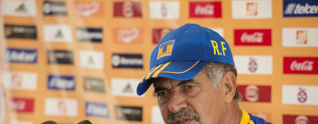Tigres vs. America: America needs points hear to aspire at a spot in the Libertadores and even the top seed in the tournament (although that usually does not bode well for Mexican teams). Their one of the most exciting teams to watch and they face a Tigres team struggling to find the right formation. Still, Ricardo Ferretti teams can never be underestimated. PREDICTION: Tigres 2-2 America.