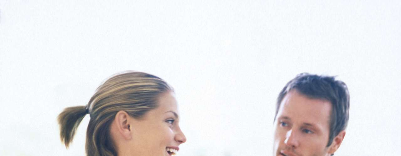 Já fez sua lista de desejos? Você á delineou seus objetivos, sonhos e projetos? Não significa que você precise realizar tudo isso, mas é importante traçar o que o que você pretende para o futuro. Outro passo é dividir essas questões com o parceiro, pois no futuro ele provavelmente terá uma participação significativa para que você alcance essas coisas e terá que apoiá-la e incentivá-la. Se ele descordar ou minar qualquer uma das coisas que você deseja, pense duas vezes