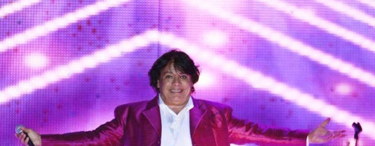 Juan Gabriel ofreció un mágico concierto como parte de su gira \