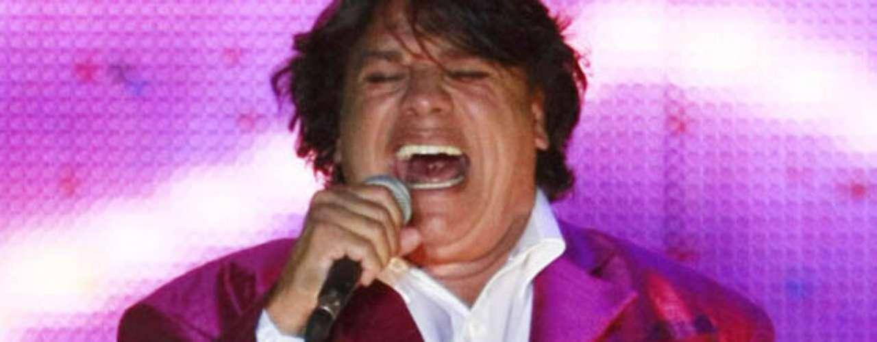 El cantante sorprendió a los fans con la potencia de su voz por espacio de dos horas y media.