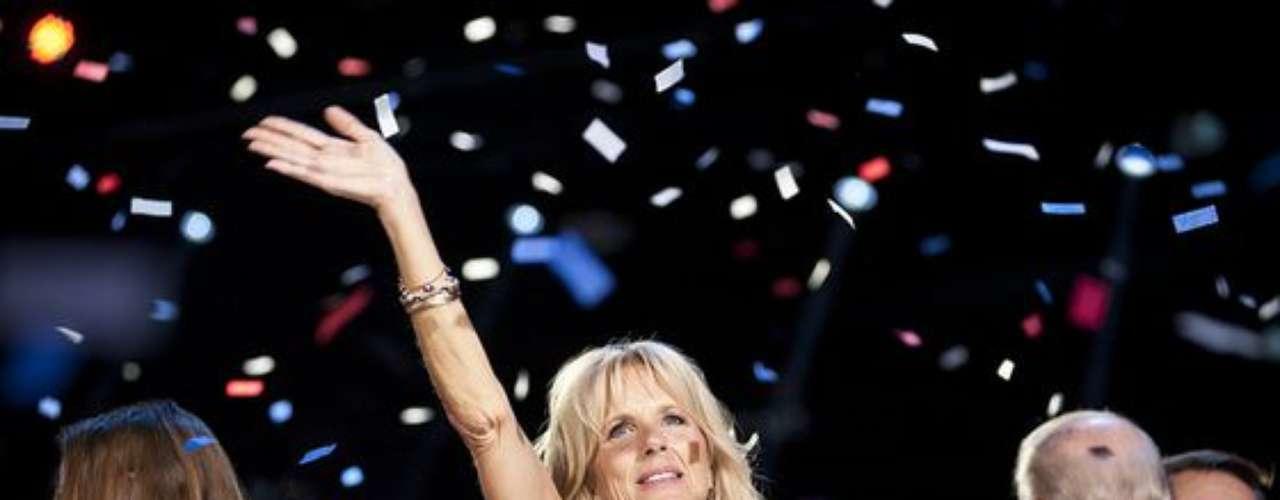 La Doctora Jill Biden, esposa del vicepresidente Joe Biden, lució espectacular y más que feliz por el resultado de las elecciones presidenciales 2012.