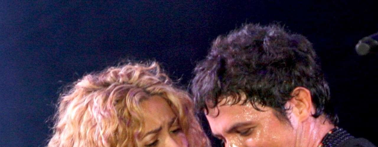 En 2005, sale al aire el mega hit que grabó al lado de Shakira \