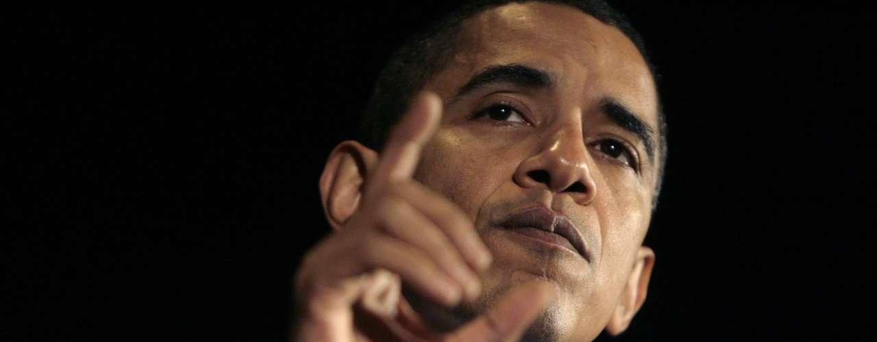 9 de noviembre: En la mañana, Obama acepta la renuncia de Petraeus.