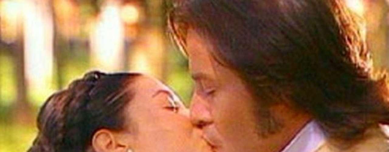 La esclava Isaura (1976 - Brasil) La esclava Isaura, interpretada por Lucelia Santos, fue una de novela que marcó un antes y después en los melodramas épicos en Brasil. Alcanzó records de audiencia en muchos países, y fue un éxito sin precedentes en China, donde la vieron 450 millones de espectadores.