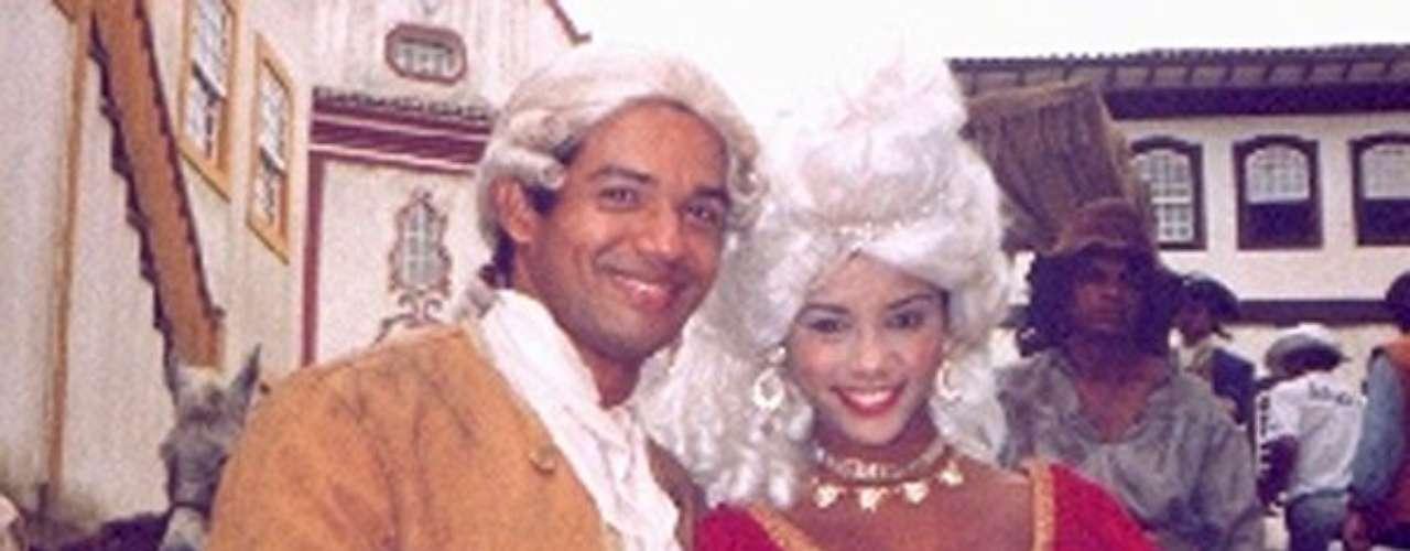 Xica Da Silva (1996 - Brasil) Xica fue una esclava mulata y personaje histórico que en la mitad del siglo XVIII pasó de la esclavitud hasta llegar a ser un influyente personaje del Brasil de aquella época. Ella se valió de sus exóticos encantos de mujer desinhibida, y de su ingenio, para hacerse con el poder de obtener los favores de los hombres distinguidos de su región.