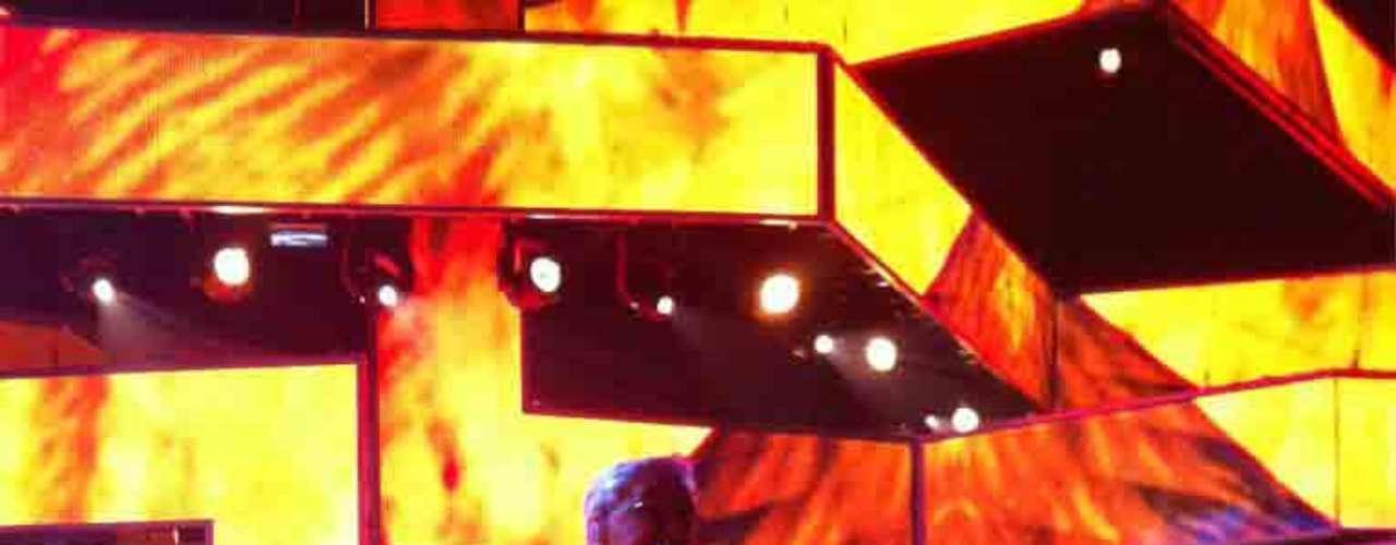 La Persona del Año 2012, Caetano Veloso luce imponente sobre la tarima.