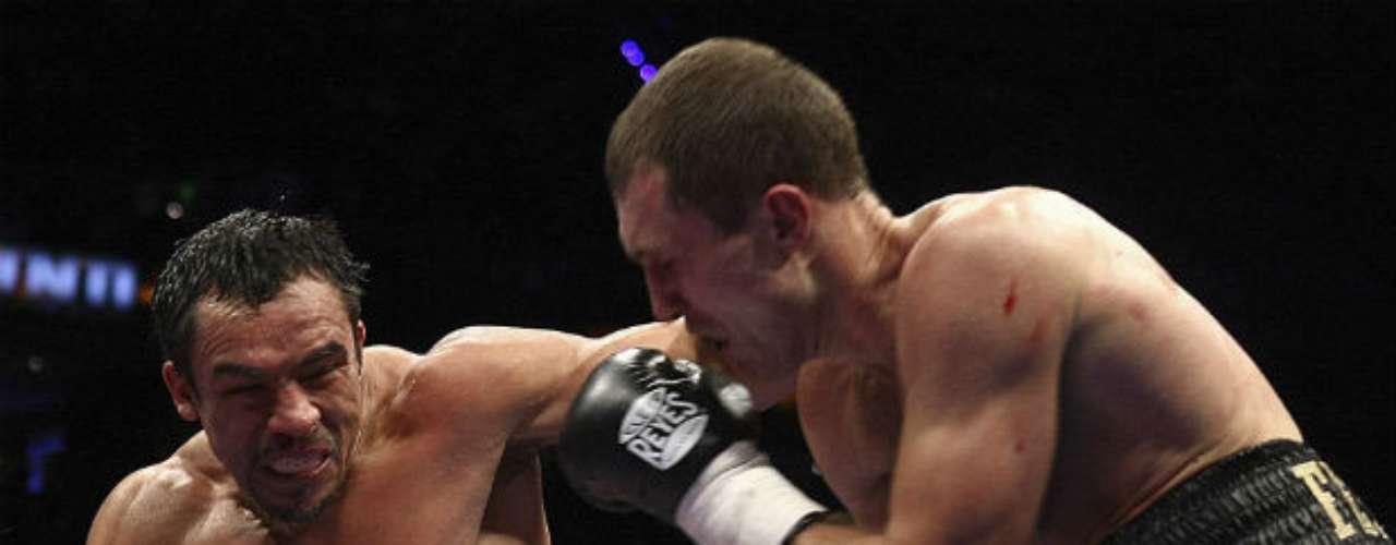 El último triunfo de Márquez fue contra el ucraniano Serhiy Fedchenko, al que derrotó en la nueva Arena de la Ciudad de México. El mexicano lució dominante y poco a poco fue desgastando a su rival. Lo venció por decisión unánime.