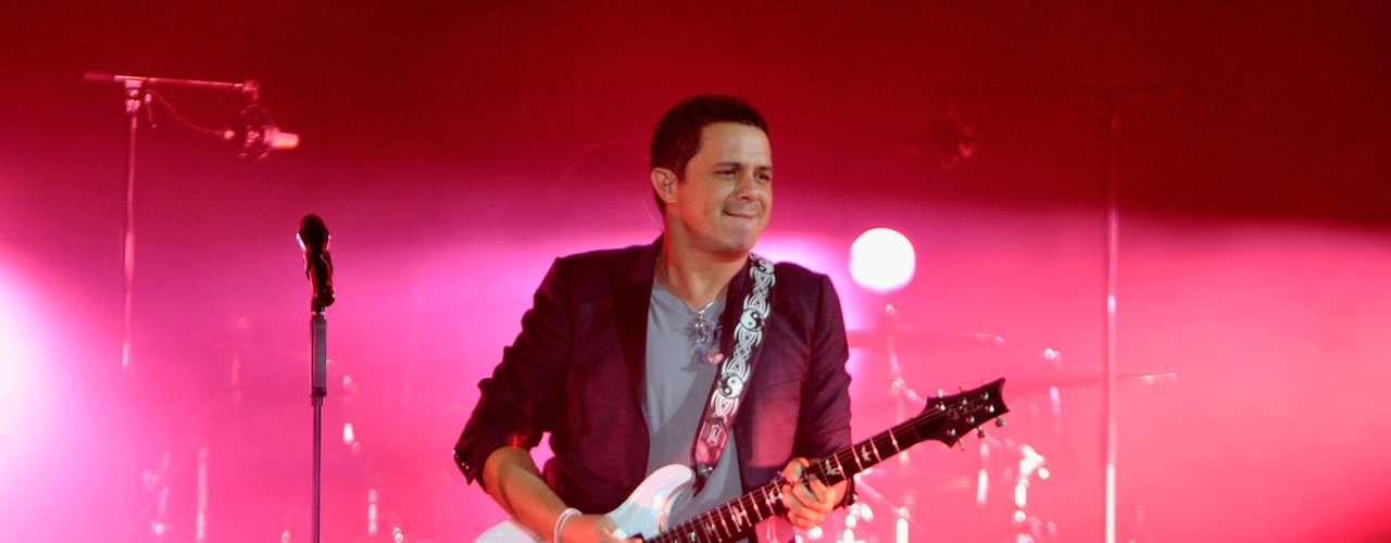El cantante español Alejandro Sanz llegará a Terra para hacer vibrar y enamorar a los fans con las canciones de su más reciente álbum, \