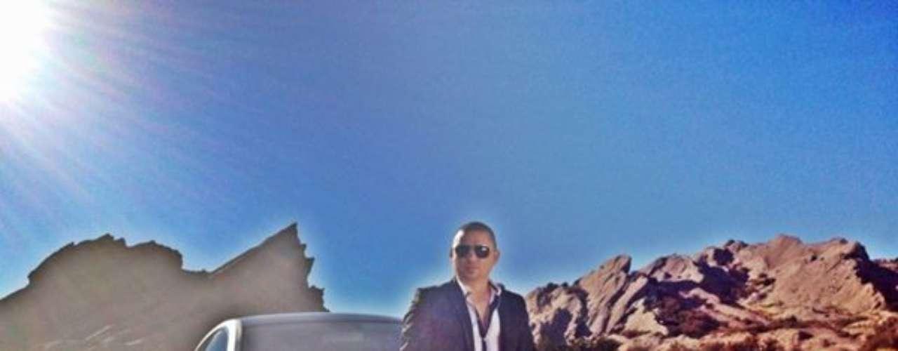 Larry Hernández, regresará a su tierra natal, tras cuatro años de ausencia y de cumplir sus sueños en Estados Unidos, para recaudar fondos y restaurar la iglesia del poblado Estación Obispo, del municipio de Emiliano Zapata, Sinaloa. Así lo dio a conocer en una nota de prensa, destacando, que para ello ofrecerá un concierto a beneficio el próximo 12 de diciembre en Culiacán.