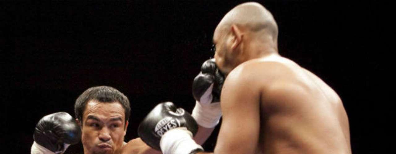 'Dinámita' no tuvo contemplaciones cuando enfrentó al colombiano Likar Ramos en Cancún Quintana Roo. Lo derrotó por nocaut apenas en el primer asalto.