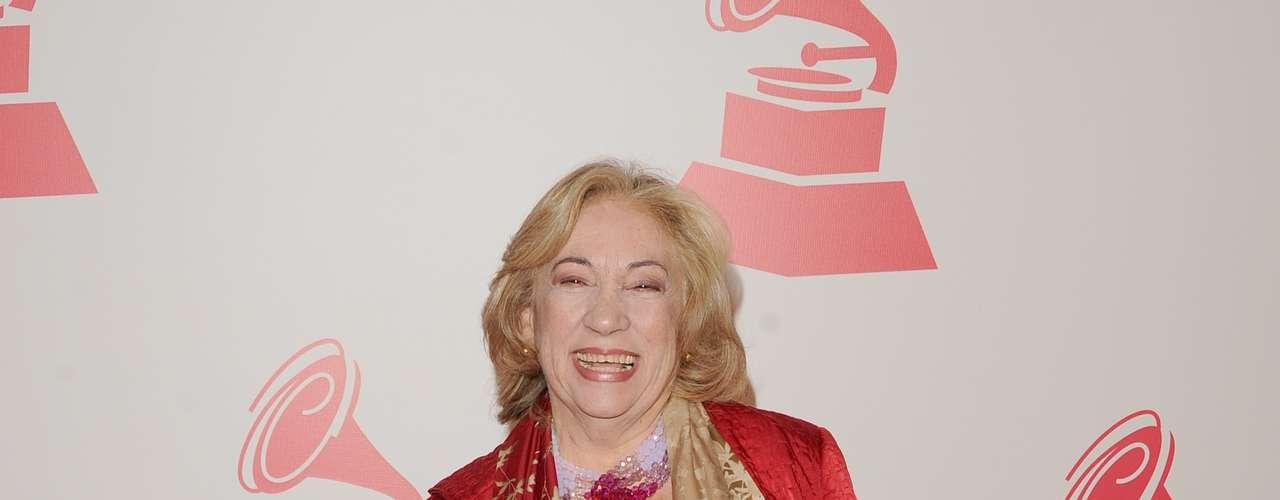 Maria Teresa Chacin en la alfombra roja en honor a Caetano Veloso quien fue recipiente del premio \