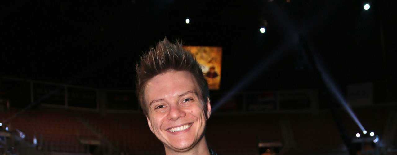 El cantante brasileño hace gala de su mejor sonrisa antes de la ceremonia del Latin Grammy, en el Mandalay Events Center de Las Vegas.