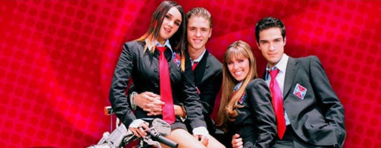 Rebelde Way. Exitosa teleserie argentina que obtuvo una gran sintonía allá en 2002, lanzando a la fama a estrellas como Luisiana Lopilato. Su remake mexicano de 2004, Rebelde, capturó también a otra legión de jóvenes con artistas como Anahí.