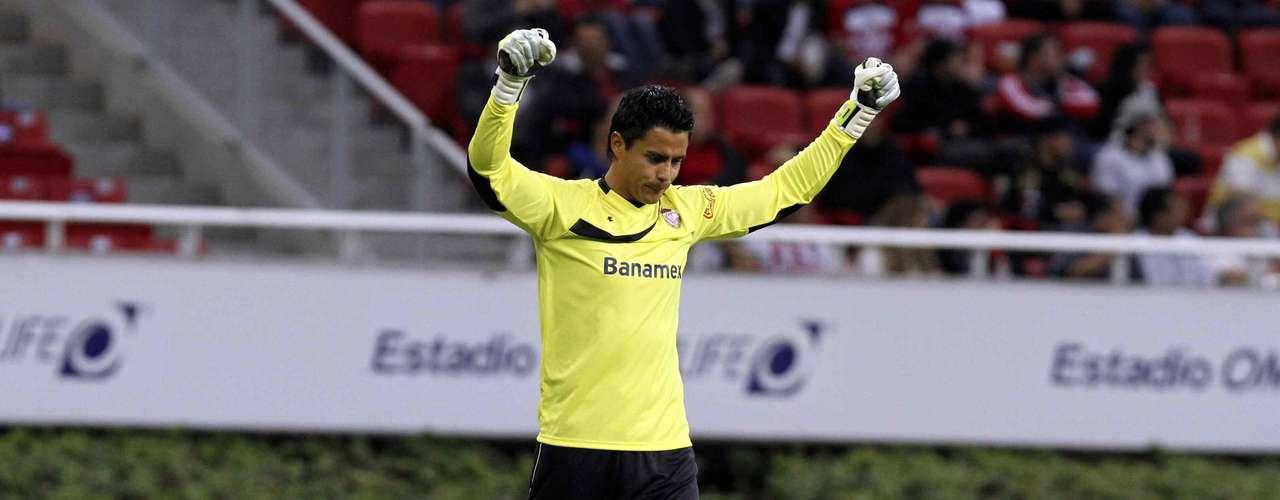Alfredo Talavera fue la figura del partido al evitar el gol en varias ocasiones