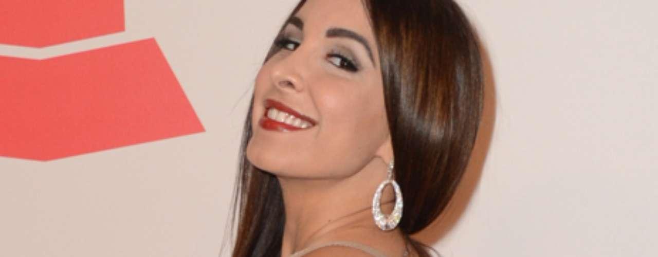 Mayra Verónica se lleva el premio en el 2012 por el cuerpo del año durante las celebraciones del Latin Grammy 2012 en Las Vegas. Aquí tienen sus fotos en el evento celebrando la carrera de Caetano Veloso y en la Alfombra Verde de la entrega de los premios más importantes de la música Latina. Sin lugar a dudas que Ninel Conde tiene nueva competencia.