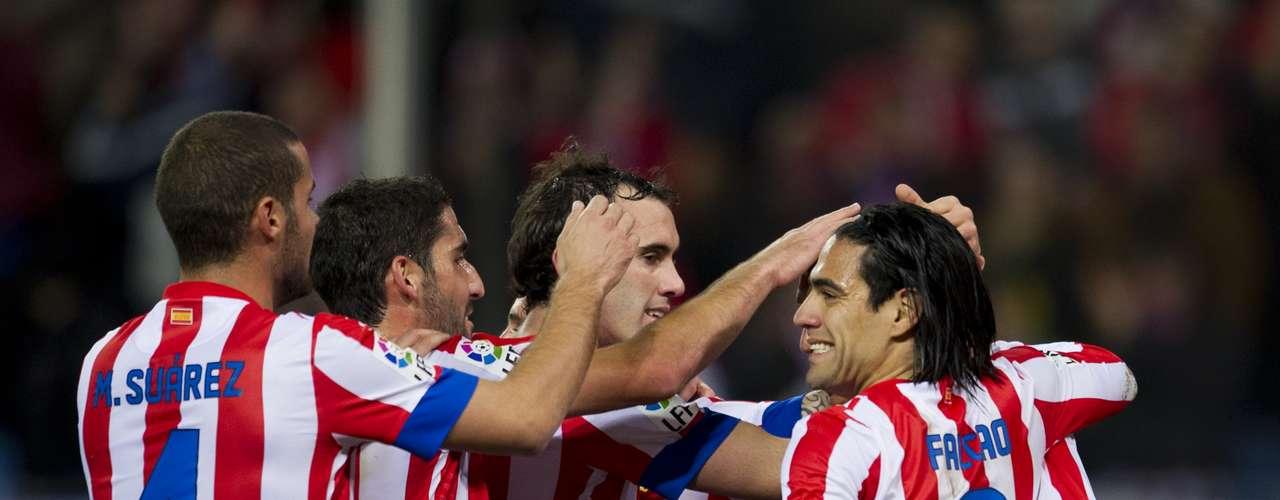 domingo 18 de noviembre - Atlético de Madrid quiere seguir de cerca al Barcelona y deberá vencer a domicilio al Granada