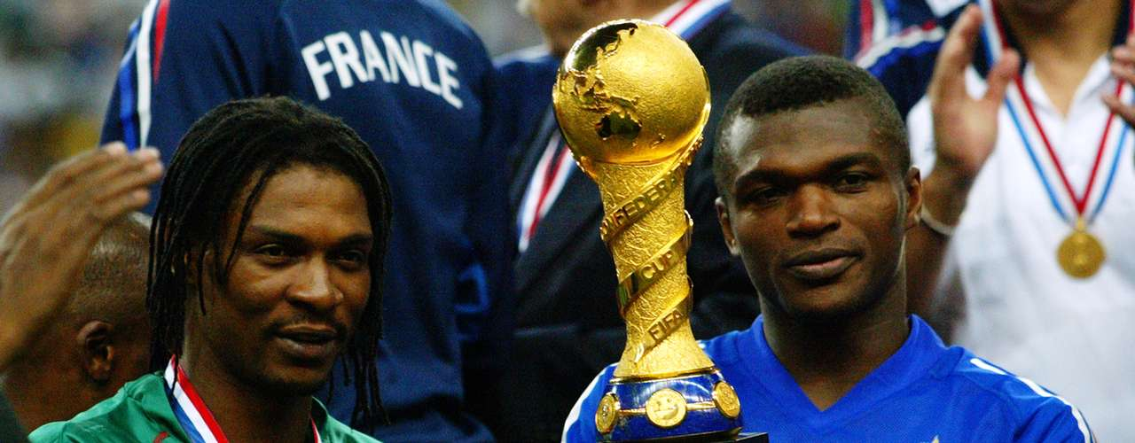 Francia venció 1-0 a Camerún con gol de oro de Thierry Henry en el minuto 98 y al final, todos los protagonistas le dedicaron la victoria a Foe.