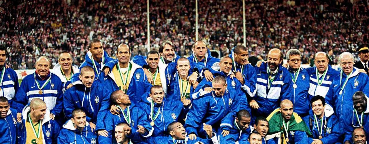 El primer campeonato del certamen para Brasil, llegó en 1997 cuando golearon 6-0 a Australia en la final.