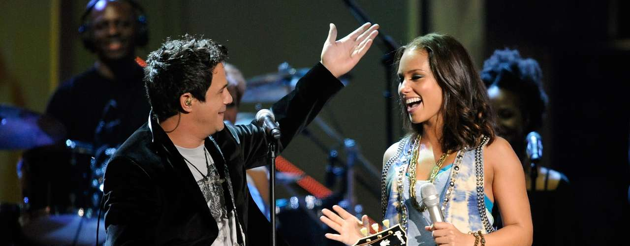 In 2009, Alicia Keys and Alejandro Sanz teamed up for their unforgettably catchy \