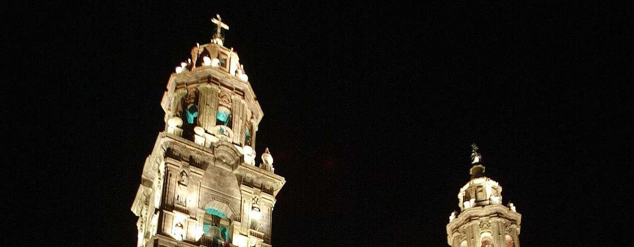 Los mensajes también aparecieron en diversos municipios de estados vecinos como Guanajuato y Guerrero, donde mantiene su influencia este grupo.