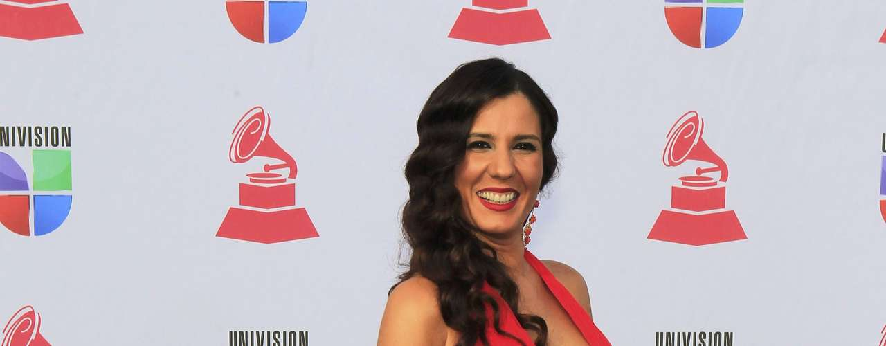 Spanish singer Diana Navarro arrives at the 13th Latin Grammy Awards in Las Vegas, Nevada, November 15, 2012.   REUTERS/Steve Marcus (UNITED STATES  - Tags: ENTERTAINMENT)