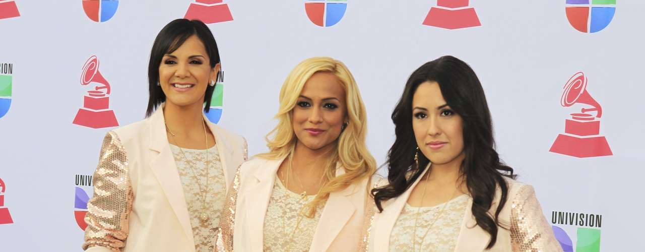 Group Trio Ellas of Mexico arrive to the 13th Latin Grammy Awards in Las Vegas, Nevada November 15, 2012.   REUTERS/Steve Marcus (UNITED STATES  - Tags: ENTERTAINMENT)