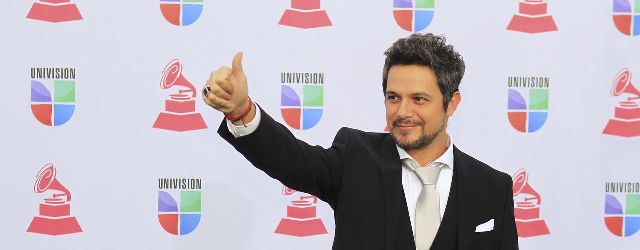 Singer Alejandro Sanz of Spain arrives to the 13th Latin Grammy Awards in Las Vegas, Nevada November 15, 2012.