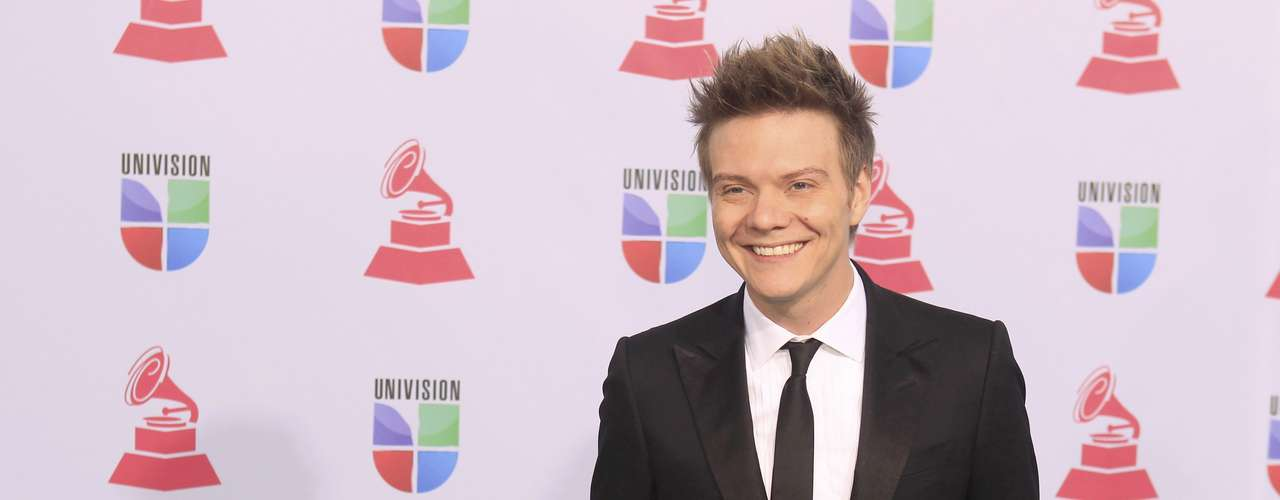 Singer Michel Telo of Brazil arrives during the 13th Latin Grammy Awards in Las Vegas, Nevada November 15, 2012.