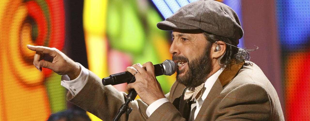 BEST: Juan Luis Guerra performing \