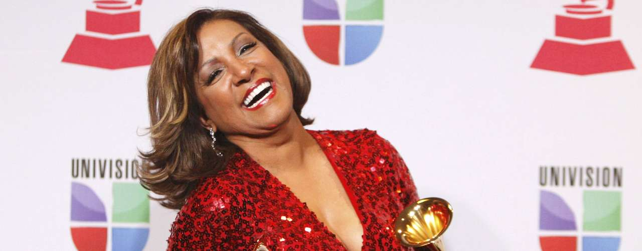 Milly Quezada goza con los dos gramófonos que obtuvo en la entrega del Latin Grammy 2012, efectuada el 15 de noviembre, desde el hotel y casino Mandalay Bay Events Center de Las Vegas, Nevada.