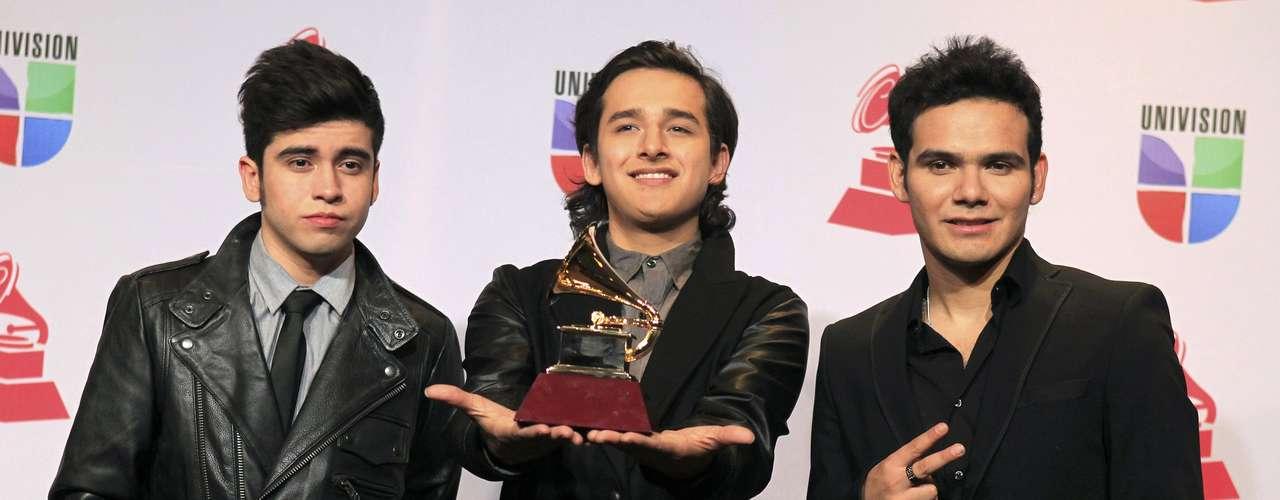 Los chicos de 3Ball MTY ganaron en el renglón Mejor Nuevo Artista, en la entrega del Latin Grammy 2012, efectuada el 15 de noviembre, desde el hotel y casino Mandalay Bay Events Center de Las Vegas, Nevada.
