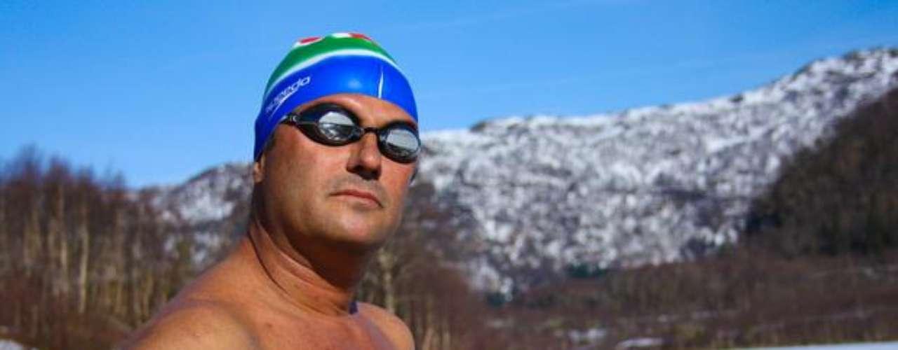 En el mismo episodio, Ram Barkai tratará de batir su récord de 1 kilómetro de natación en agua a menos 0.4 grados centígrados.