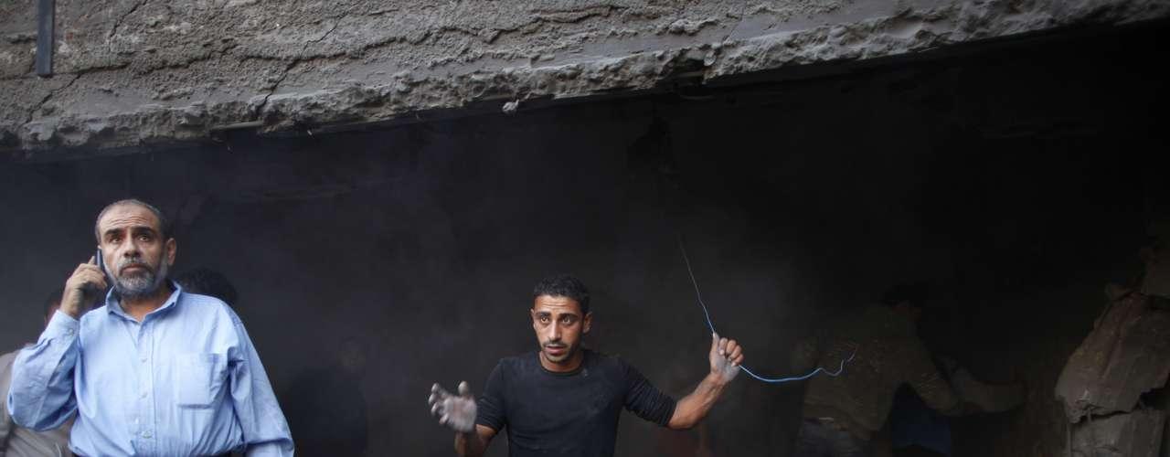 La cifra global de heridos supera los 550, un 70 por ciento de ellos civiles. La cifra de israelíes heridos desde que se inició la operación por los cohetes de las milicias de Gaza se elevó a 30, dos de ellos de gravedad al impactar hoy un proyectil contra su coche en la localidad de Ofakim.