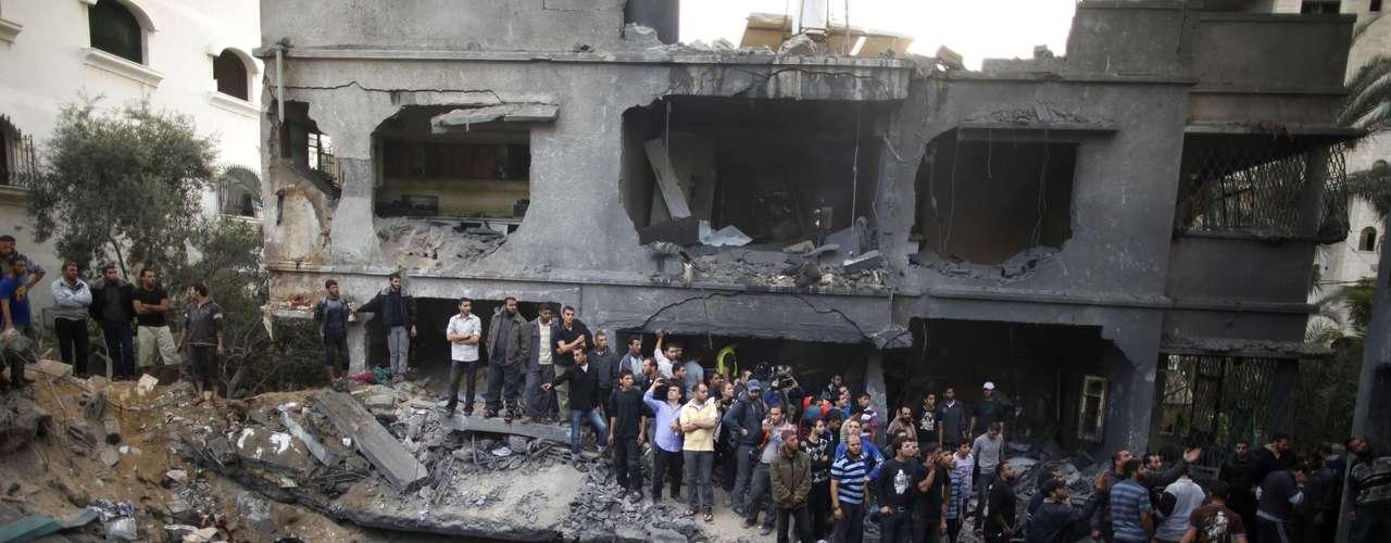 La operación continúa en medio de los esfuerzos internacionales, articulados en torno a Egipto, por obtener un alto el fuego que evite una invasión terrestre de Gaza. Y es que ya habían sido movilizados \