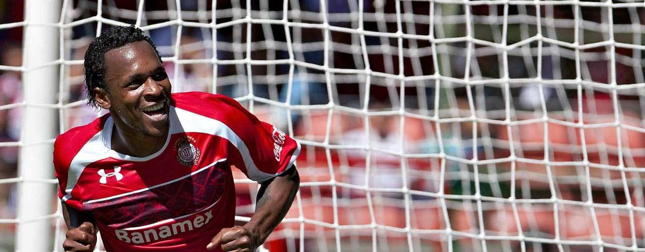 Medio de contención - Wilson Tiago - Toluca. El brasileño se encargó de terminar con la esperanza de Chivas al hacer un gol en el juego de Vuelta